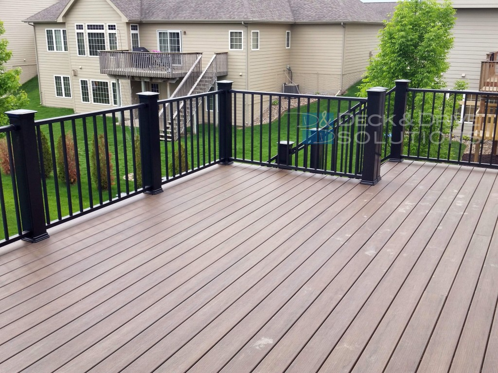 New Timbertech S Legacy Decking Mocha Deck And Drive