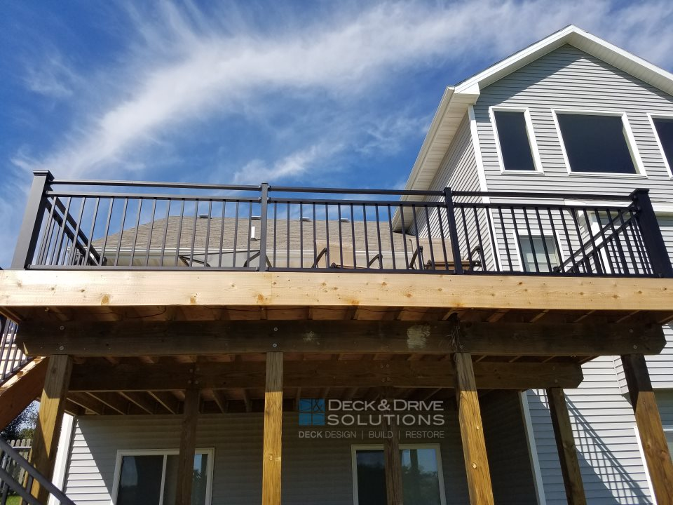 New Cedar Deck With Westbury Rivera Railing Des Moines