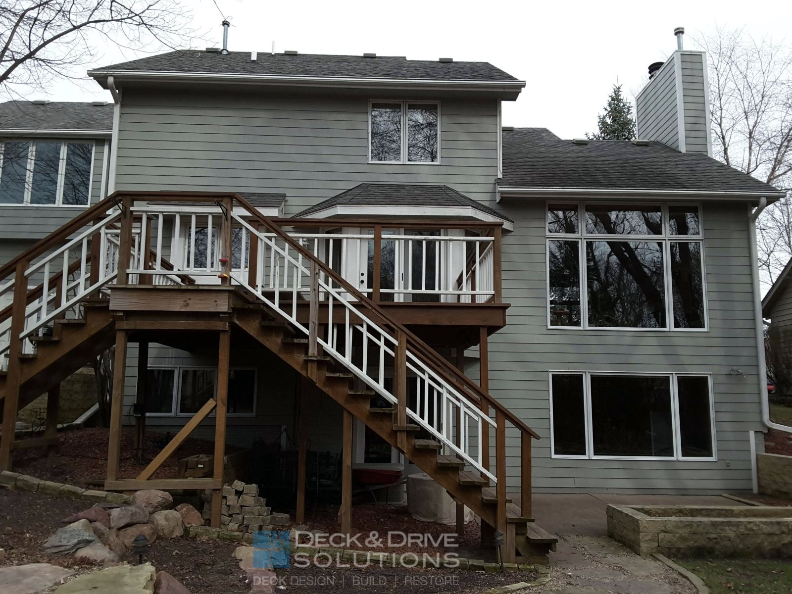 timbertech with new deck roof and cedar carsiding des moines