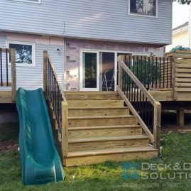 Privacy Deck with Bar and Slide