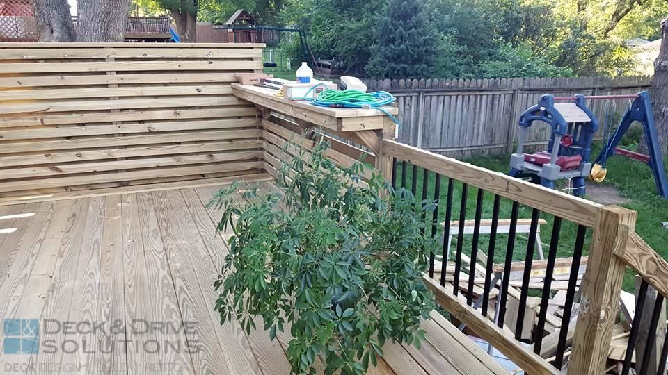 Privacy Deck With Bar And Slide Des Moines Deck Builder