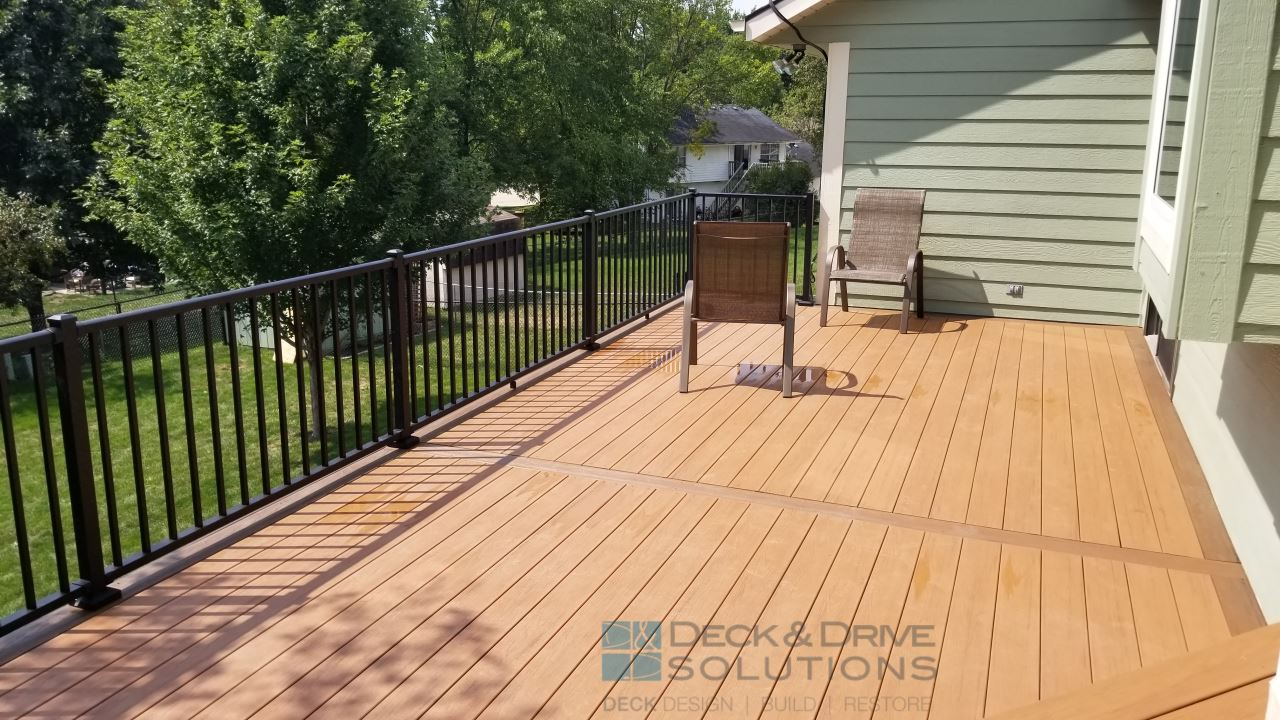 Timbertech Deck With Custom Bench Des Moines Deck