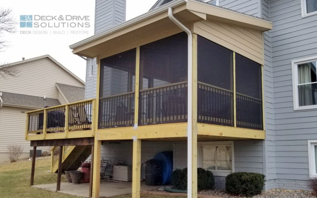 Treated Deck With New Roof And Screeneze Des Moines Deck