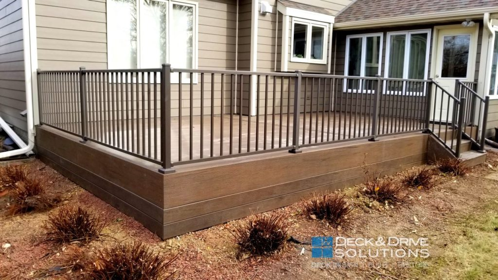 Timbertech Mocha With Westbury Bronze Des Moines Deck Builder Deck And Drive Solutions