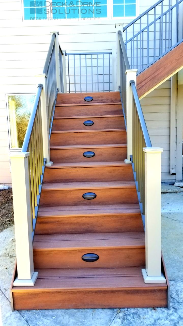 Trex and 2 Color Westbury Rail | Des Moines Deck Builder
